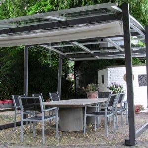 die freistehende pergola mit transparentem dach sakura. Black Bedroom Furniture Sets. Home Design Ideas